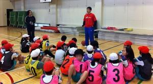 チームスポーツで仲間を思いやる心、団体行動、チームワークを学ぶ